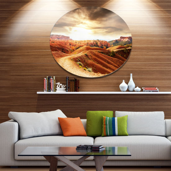 Designart Beautiful View of Bryce Canyon African Landscape Metal Circle Wall Art