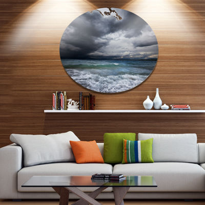 Designart Troubled Sea under Stormy Sky Beach Photo Metal Circle Wall Art