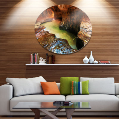 Designart Narrows in Zion National Park Utah Landscape Oversized Metal Circle Wall Art