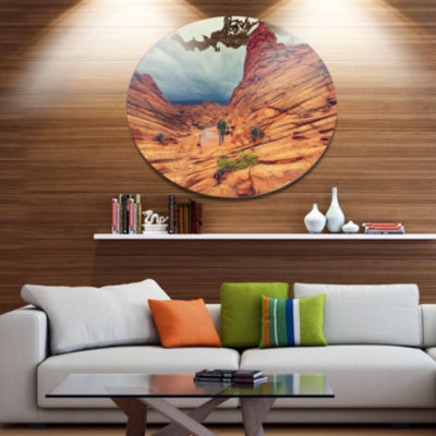 Designart Wild Vermillion Cliffs Utah Oversized Landscape Metal Circle Wall Art
