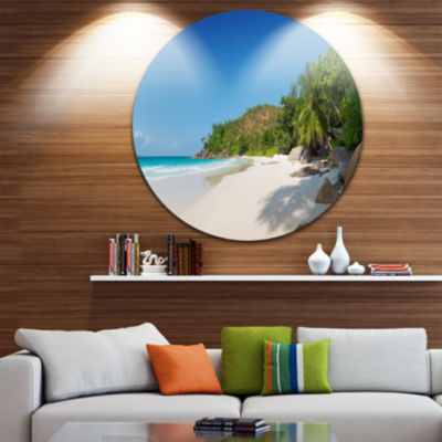 Designart Anse Georgette Beach Light Blue Large Seascape Art Metal Circle Wall Art