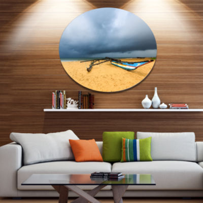 Designart Beach with Dark Clouds above Ocean LargeSeashore Metal Circle Wall Art