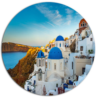 Designart Beautiful Santorin Houses Greece Large Cityscape Art Print on Metal Walls