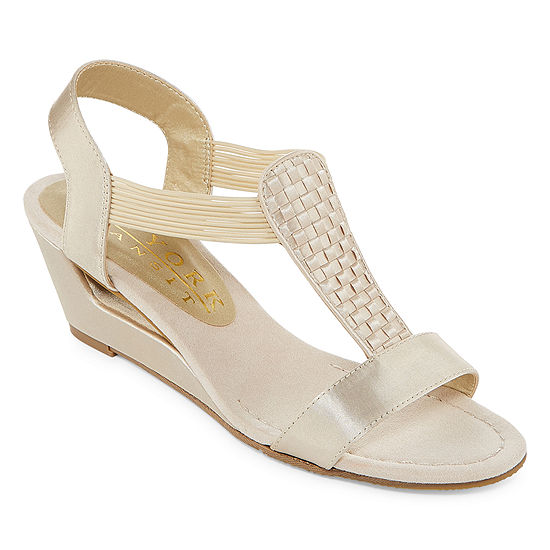 New York Transit Womens Veer Closer Wedge Sandals