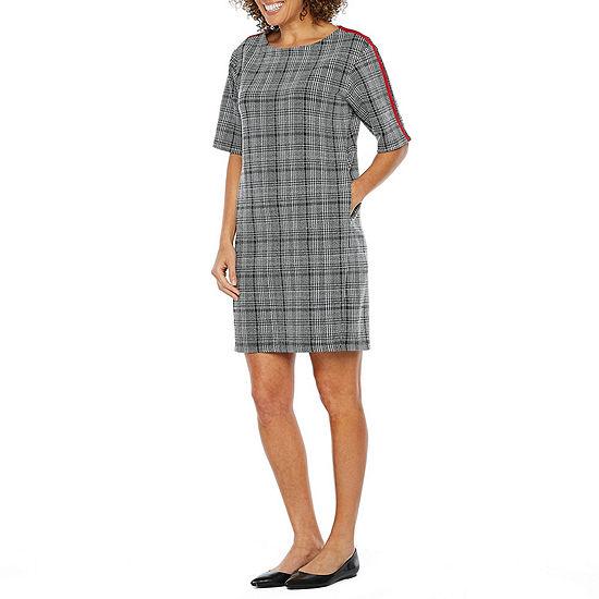Vivi By Violet Weekend Short Sleeve Plaid Shift Dress