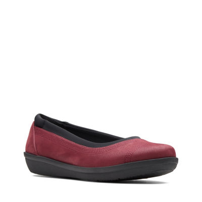 Clarks Ayla Low Womens Slip-On Shoes