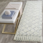 Safavieh Casablanca Collection Jamaar Geometric Runner Rug