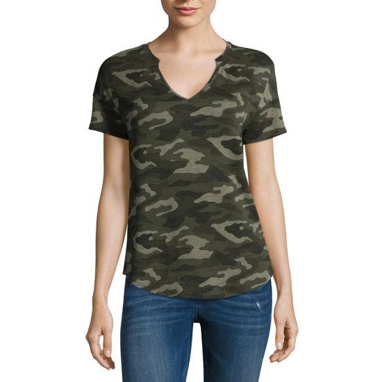 a.n.a Short Sleeve Split Crew Neck Camouflage T-Shirt-Womens