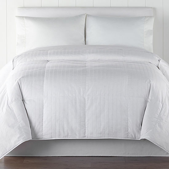 Liz Claiborne Level 1 Lightweight Down Comforter