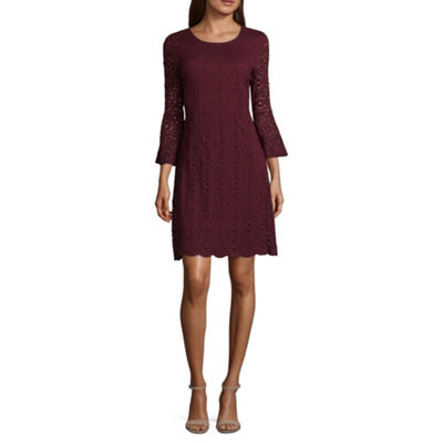 Ronni Nicole 3/4 Sleeve Medallion Shift Dress-Petite