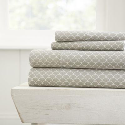 Casual Comfort™ Premium Ultra Soft Scallops Pattern Sheet Set