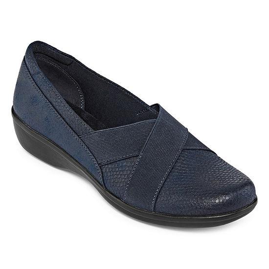 Yuu Womens Darling Slip-On Shoe Round Toe