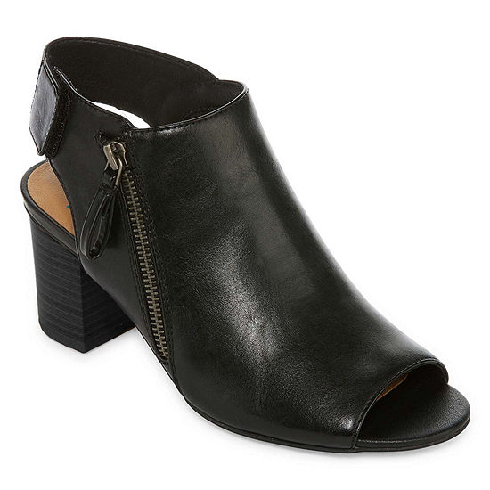 Yuu Womens Sasssy Booties Stacked Heel