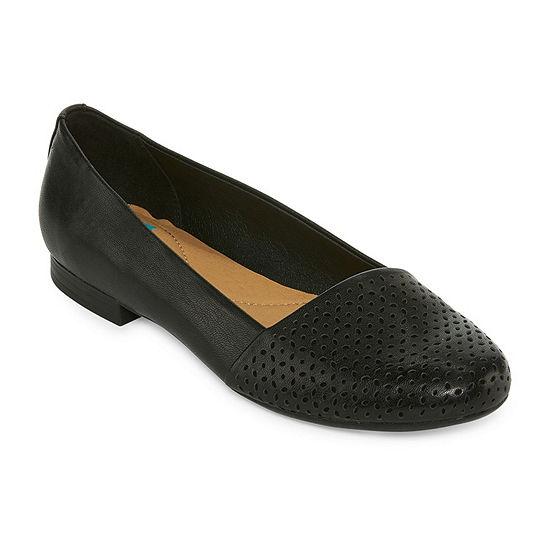 Yuu Womens Francie Slip-On Shoe Round Toe