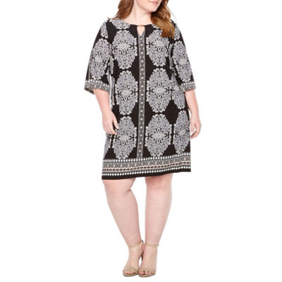 Studio 1 Medallion Shift Dress - Plus