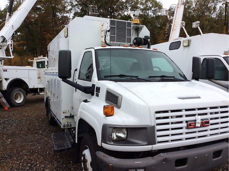 Detail photo of 2008 GMC C5500 from Construction Equipment Guide