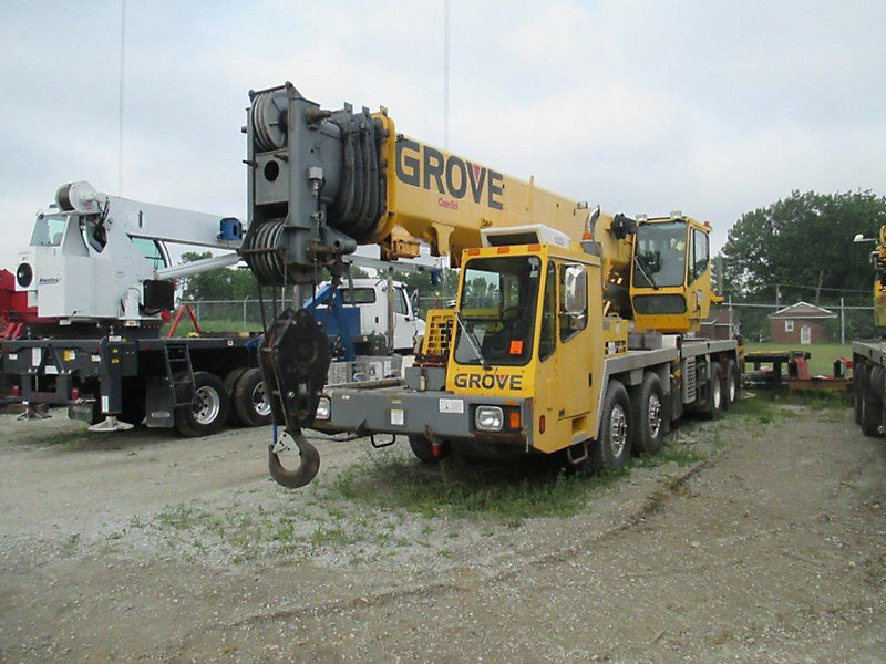 Detail photo of 2004 Grove 8460GE 8x4 from Construction Equipment Guide