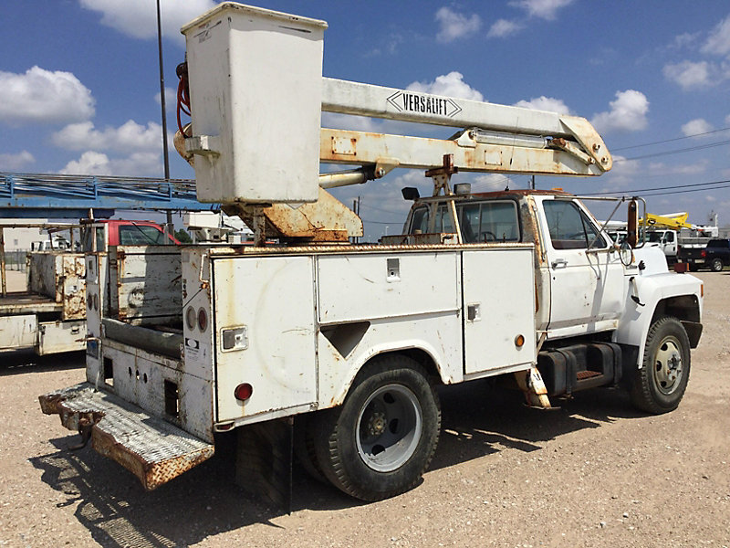 Detail photo of 1990 Ford F600 from Construction Equipment Guide
