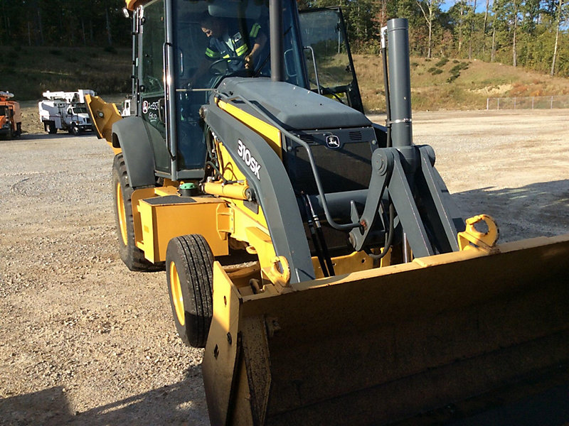 Detail photo of 2012 John Deere 310SK from Construction Equipment Guide