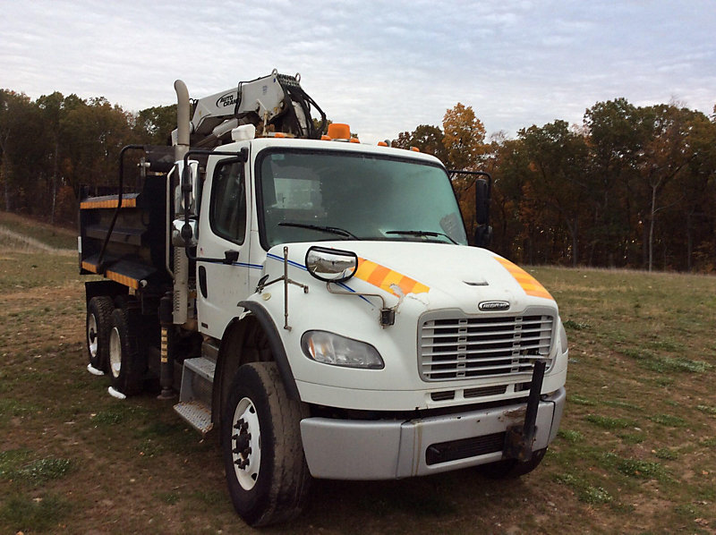 Detail photo of 2010 FREIGHTLINER M2 106 from Construction Equipment Guide
