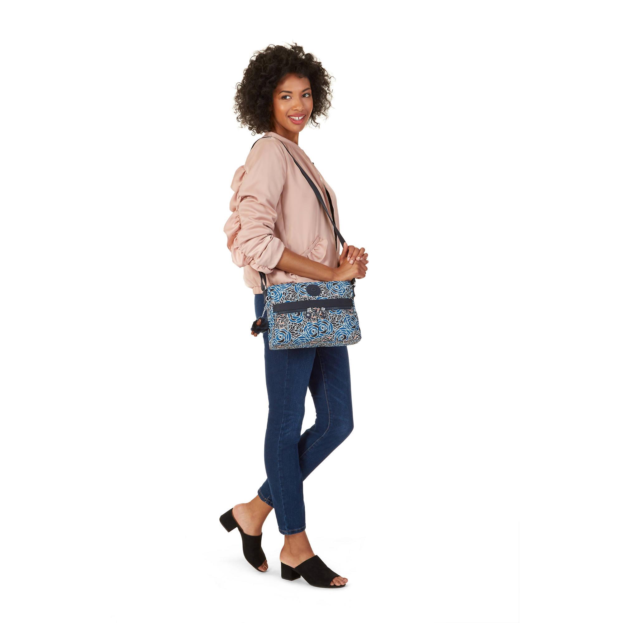 2db4e41e8545 Angie Handbag