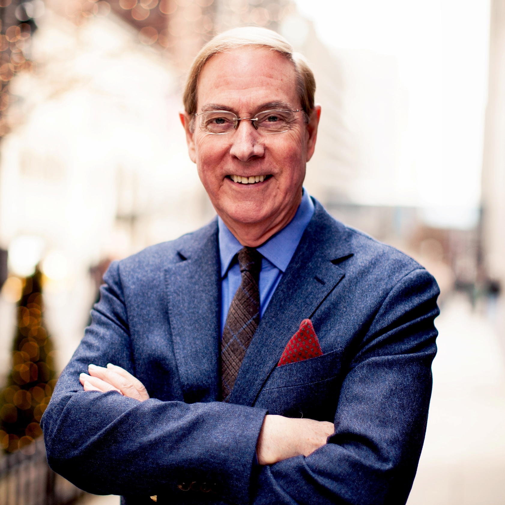 Bestselling author Dr. Gary Chapman