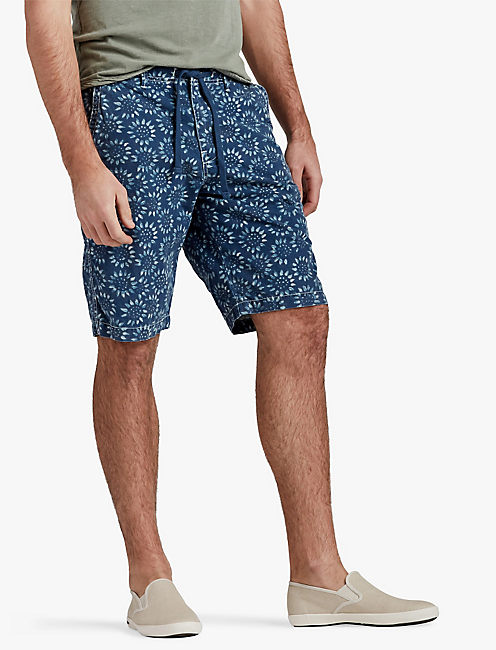 TWILL FLAT FRONT PRINTED SHORT,