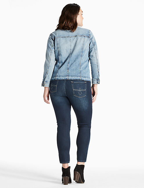 PLUS SIZE DENIM TRUCKER JACKET WITH SEAMING DETAIL,