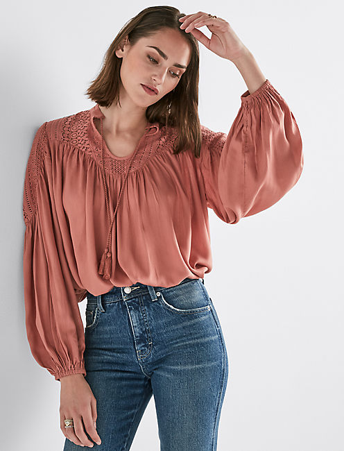 LACE MIX PEASANT TOP,
