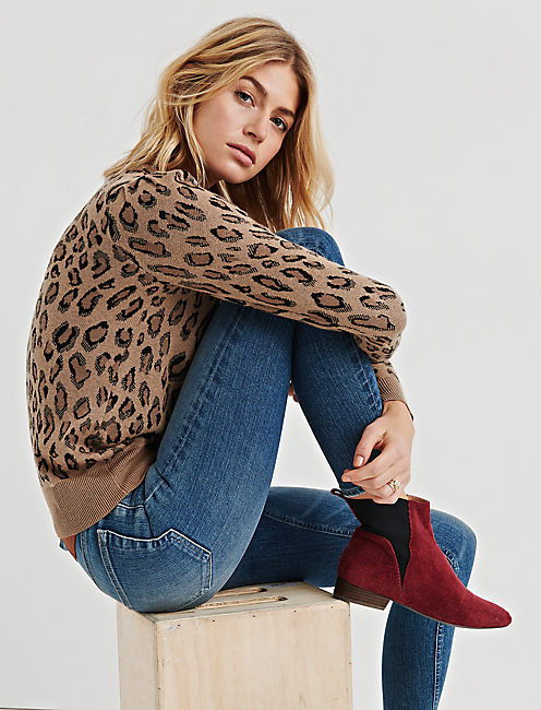 Lucky Leopard Pullover