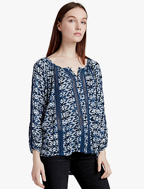 b545ceddbd01e LUCKY PRINTED KNIT AND LACE TOP
