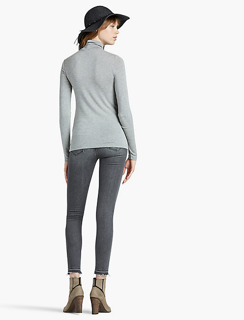SLIM KNIT TURTLENECK,