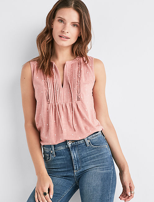 V-NECK SLEEVELESS LACE MIX TOP,
