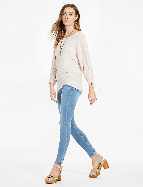 BOAT NECK RUCHED SLEEVE TOP,