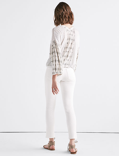 TEXTURE BANDED BOTTOM PEASANT TOP,