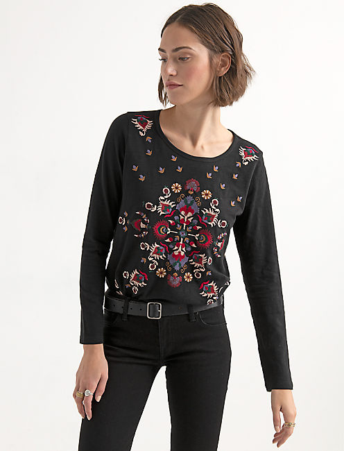 EMBROIDERED LONG SLEEVE TEE,