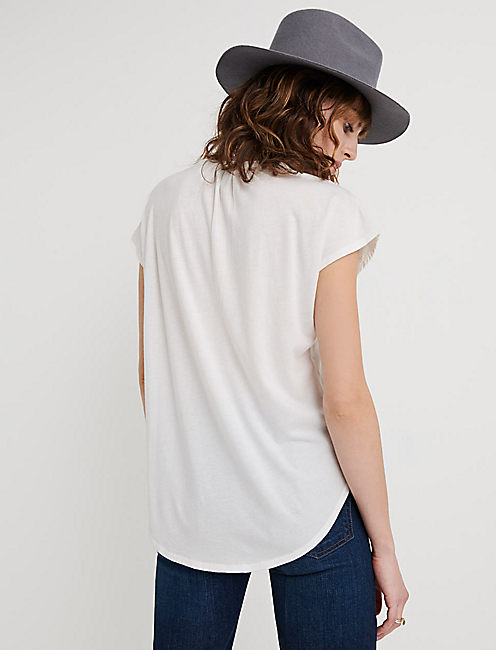 WASHED APPLIQUE HENLEY, LUCKY WHITE