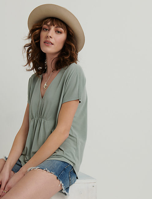 SANDWASH V-NECK TOP, ICEBERG GREEN