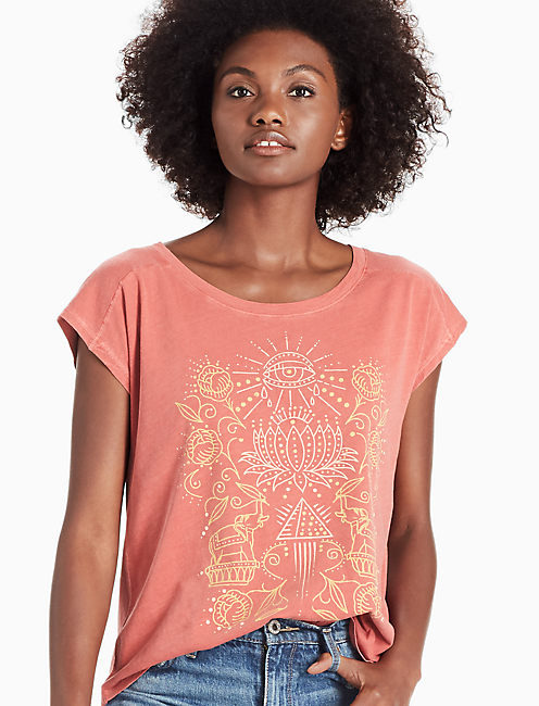 LOTUS GRAPHIC TEE, EARTH RED