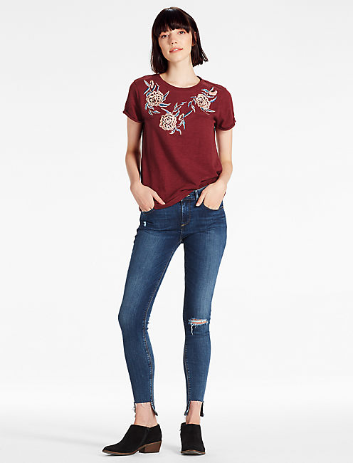 OVERSIZE FLORAL EMB TEE,