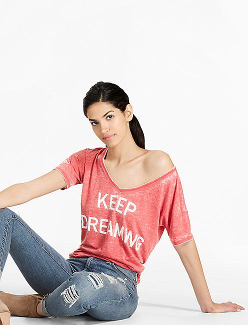 KEEP DREAMING TEE, POMPEIAN RED