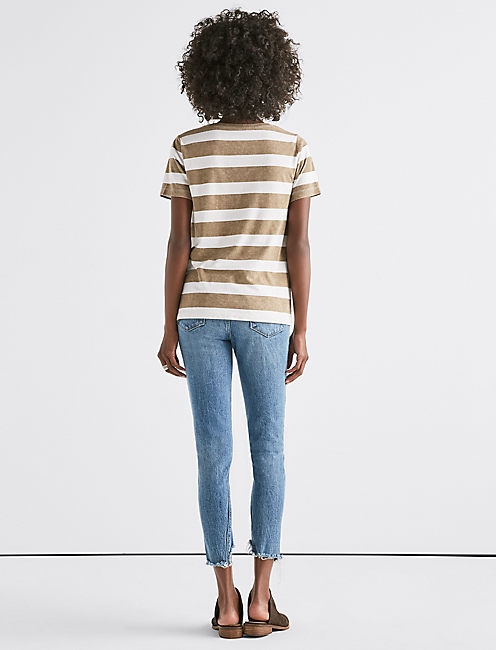 STRIPED V-NECK TEE,