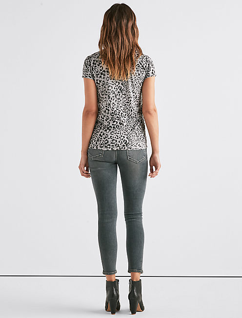 LEOPARD SCOOP NECK TEE,