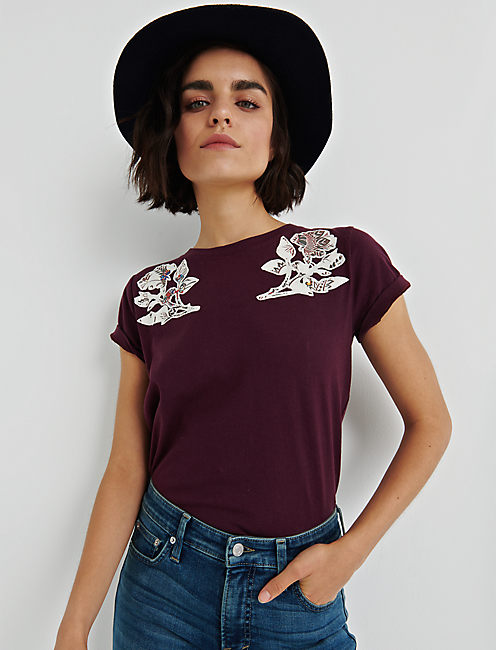 BOLD FLORAL TEE,