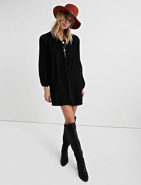 PLEATED SHIFT DRESS,