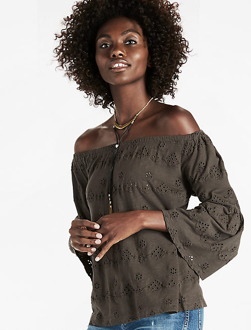 EYELET OFF THE SHOULDER TOP, BLACK MOUNTAIN