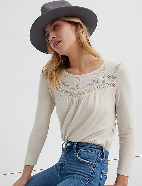 EMBROIDERED CREW NECK, NATURAL MULTI