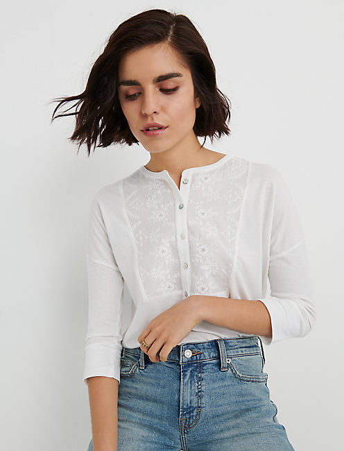 EMBROIDERED BIB HENLEY, LUCKY WHITE