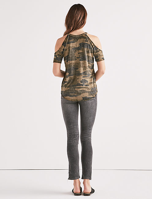 CAMO COLD SHOULDER TEE,