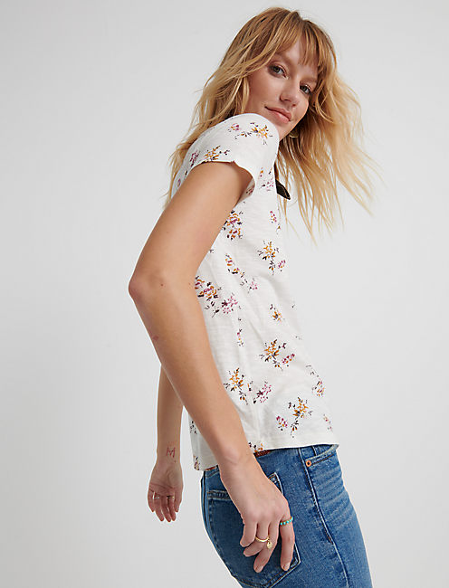ALL OVER FLORAL TEE, NATURAL MULTI